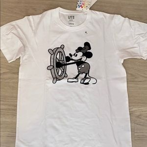 uniqlo mickey mouse steamboat willie tee